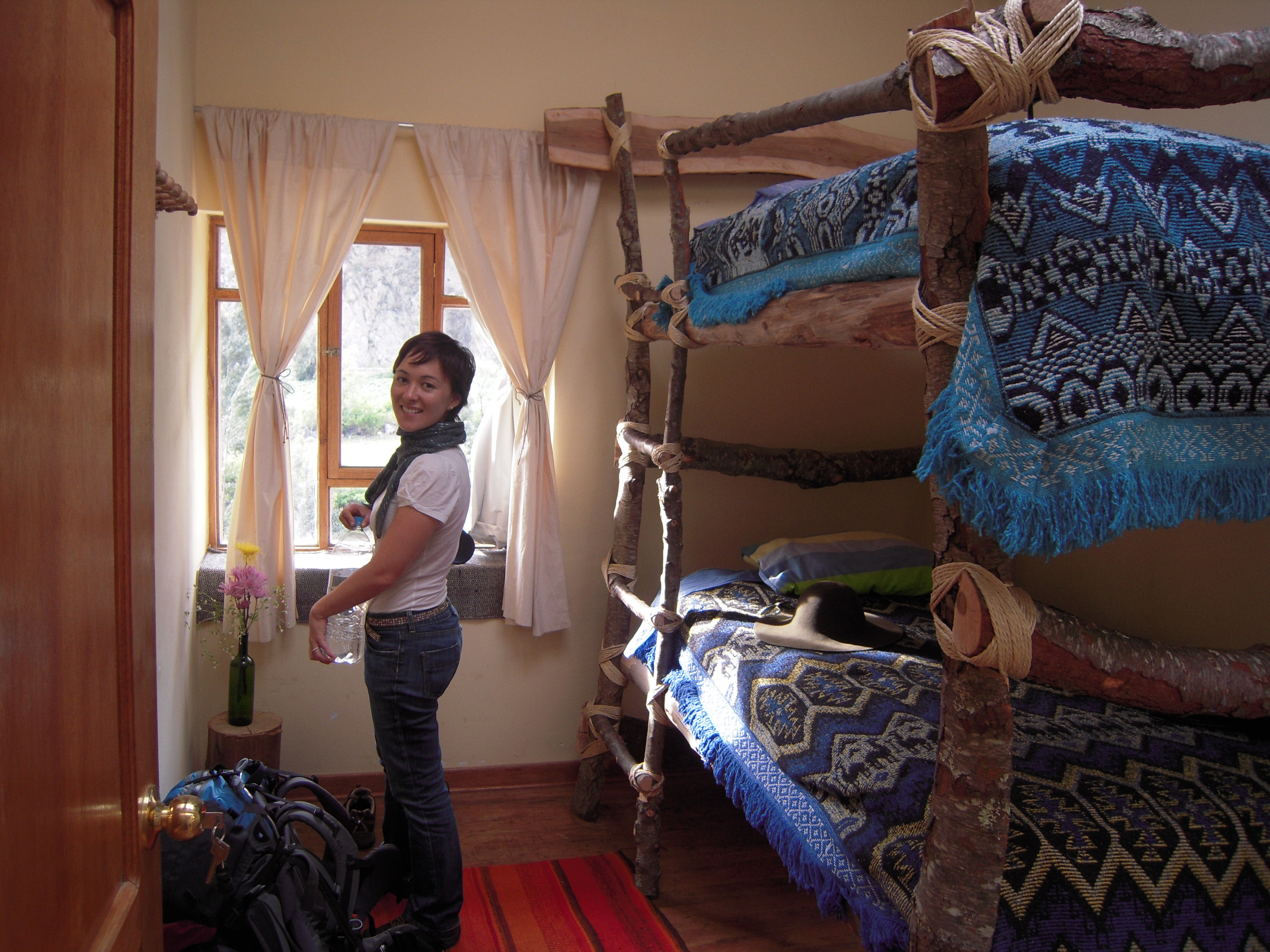 How to run a world class backpacker hostel cozy self made for Self made headboards